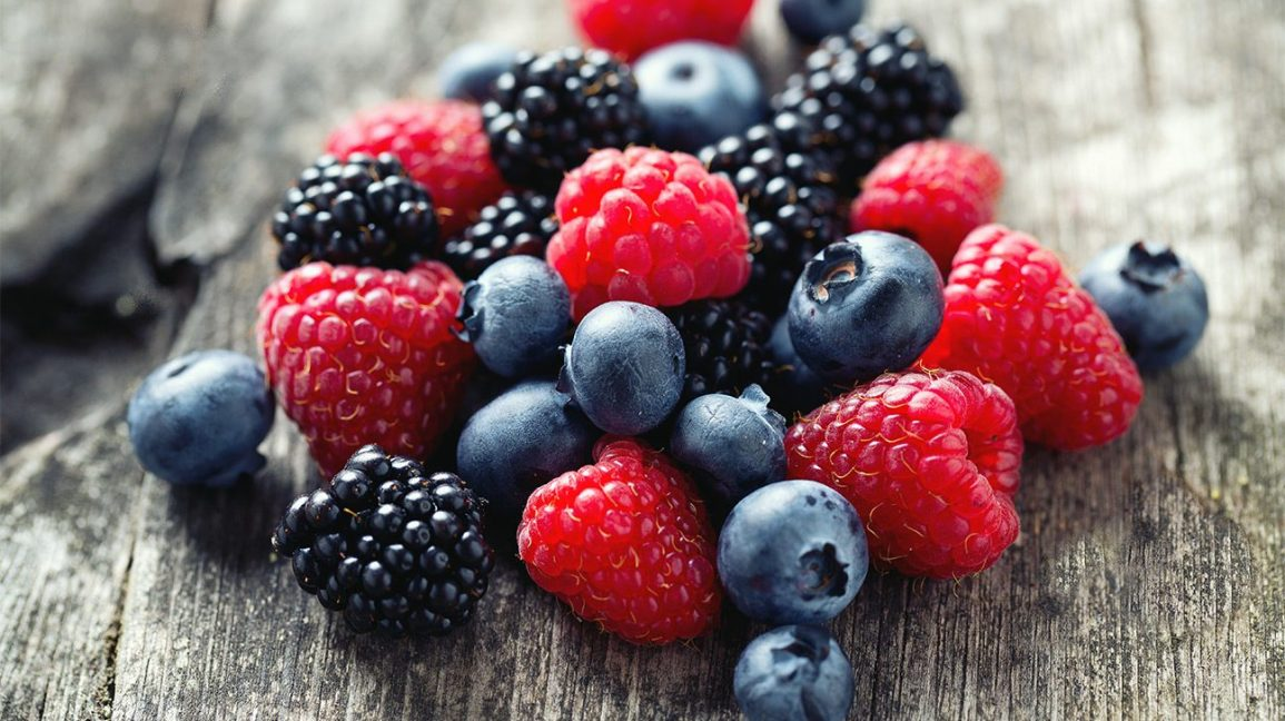 11 Berries Healthy Food Benefits - Why are Berries a Superfood?